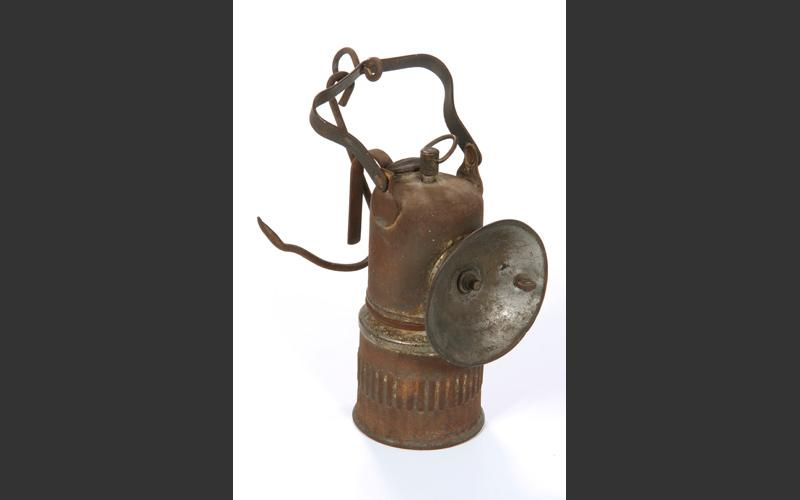 Acetylene lamps came into use in mines in the late nineteenth century. The chemical reaction of water and calcium carbide creates a very bright, clear light. Such lamps are still favoured by cavers.