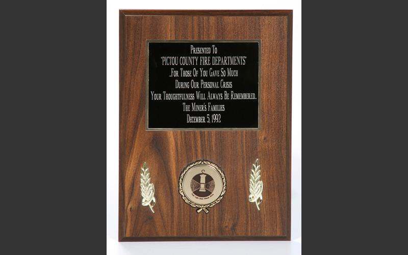 Plaque thanking the firefighters who were involved with the rescue efforts.